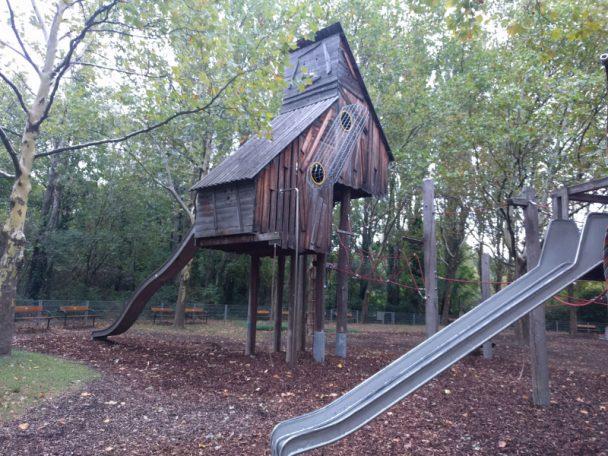 Kurpark Oberlaa - ein Ort, an dem Kinder spielen und auf Endteckungsreise gehen können