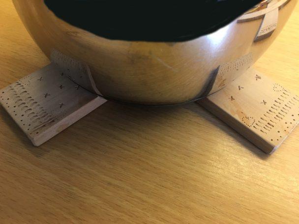 Topfuntersetzter aus Holz - ein tolles Weihnachtsgeschenk