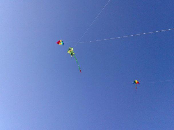 Plätze zum Drachensteigen - fliegende Drachen