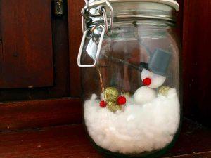 Jahreszeiten-Ecke mit Winter-Glas