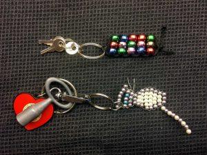 Schlüsselanhänger basteln aus Perlen