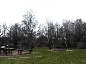 Nestschaukel Spielplatz beim Nationalparkhaus Lobau