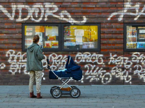 Aktiv mit Baby in der Stadt