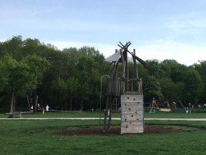 Kletterturm auf der Ranch - einem Spielplatz auf der Jesuitenwiese