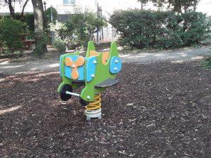 Flugzeug am Spielplatz Loquaiplatz im blog.kinderinfowien.at